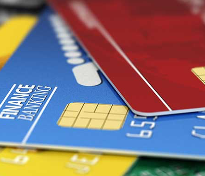 As US consumers ditched credit cards, delinquency rates dropped
